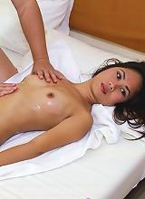 Teen filipina hottie Riyu gets sexy oil massage