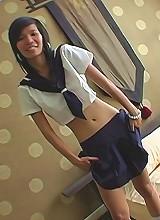 Thai schoolgirl Puy upclose blowjob pics!