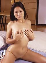 Oiled Thai babe