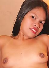 Full-figured Filipina bargirl sucks a mean dick and fucks well