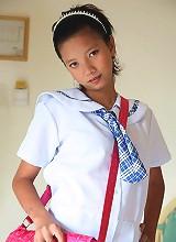 Lovely Filipina teen schoolgirl strips naked for the cam