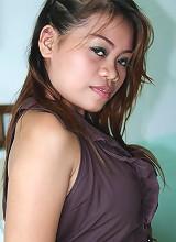 Horny amateur Filipina babe fucks perverted sex tourist