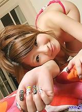 Asian babe Reon