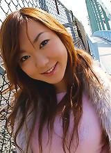 Horny honey Yumi