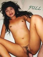 Cute Thailand girlfriend posing, fucking and sucking