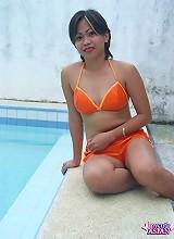 Cute Filipino teen sucks her man dick and gets cumfaced in pool
