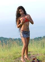 Lulu Teasing her beautiful tits outdoors