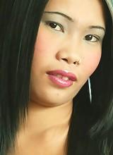 Thai bar slut poppy flashes her tight ass