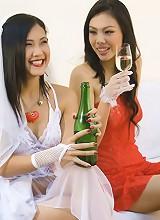 Thai brides maid Miko with bride Min